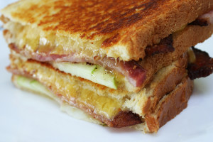 Grilled Cheese with Apples and Bacon