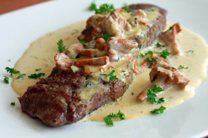New York Steak with Garlic Cheese Sauce