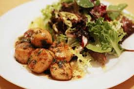 Seared Scallops with Herb-Butter Pan Sauce w salad